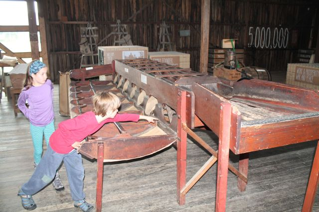 Old apple sorting machine
