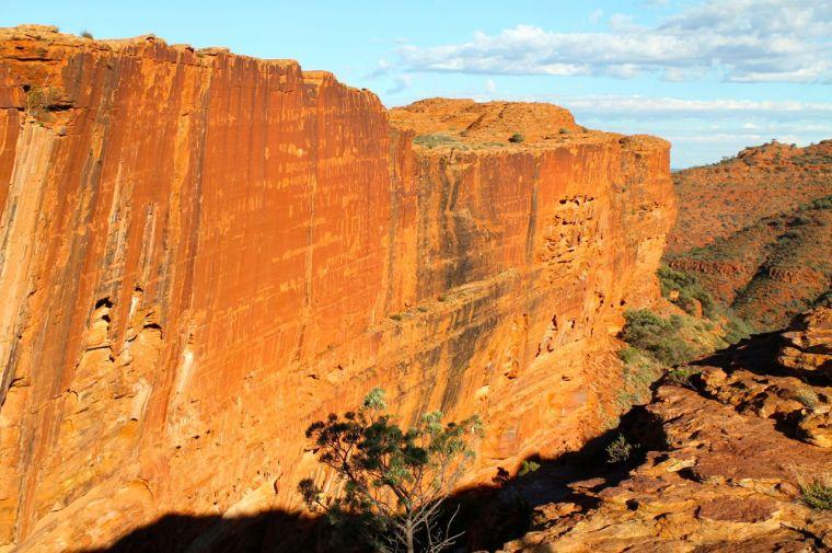 Wall of Kings Canyon