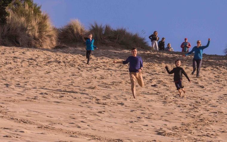 sand-dune-running-family